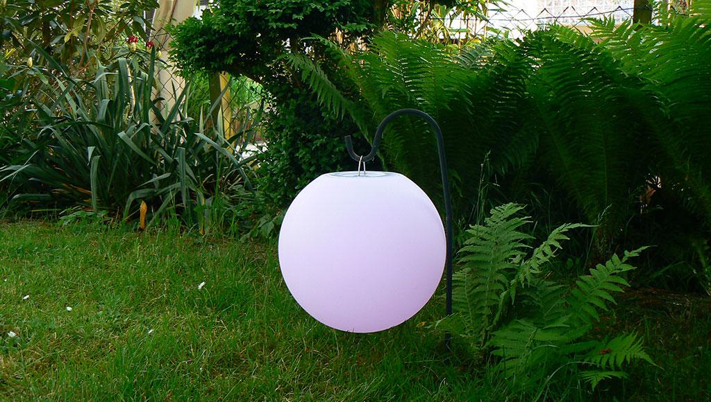 LED Beleuchtung - LED Gartenbeleuchtung  – wetterbeständig und energiesparend mit Farbverlauf-Effekt und warmen Farbtönen